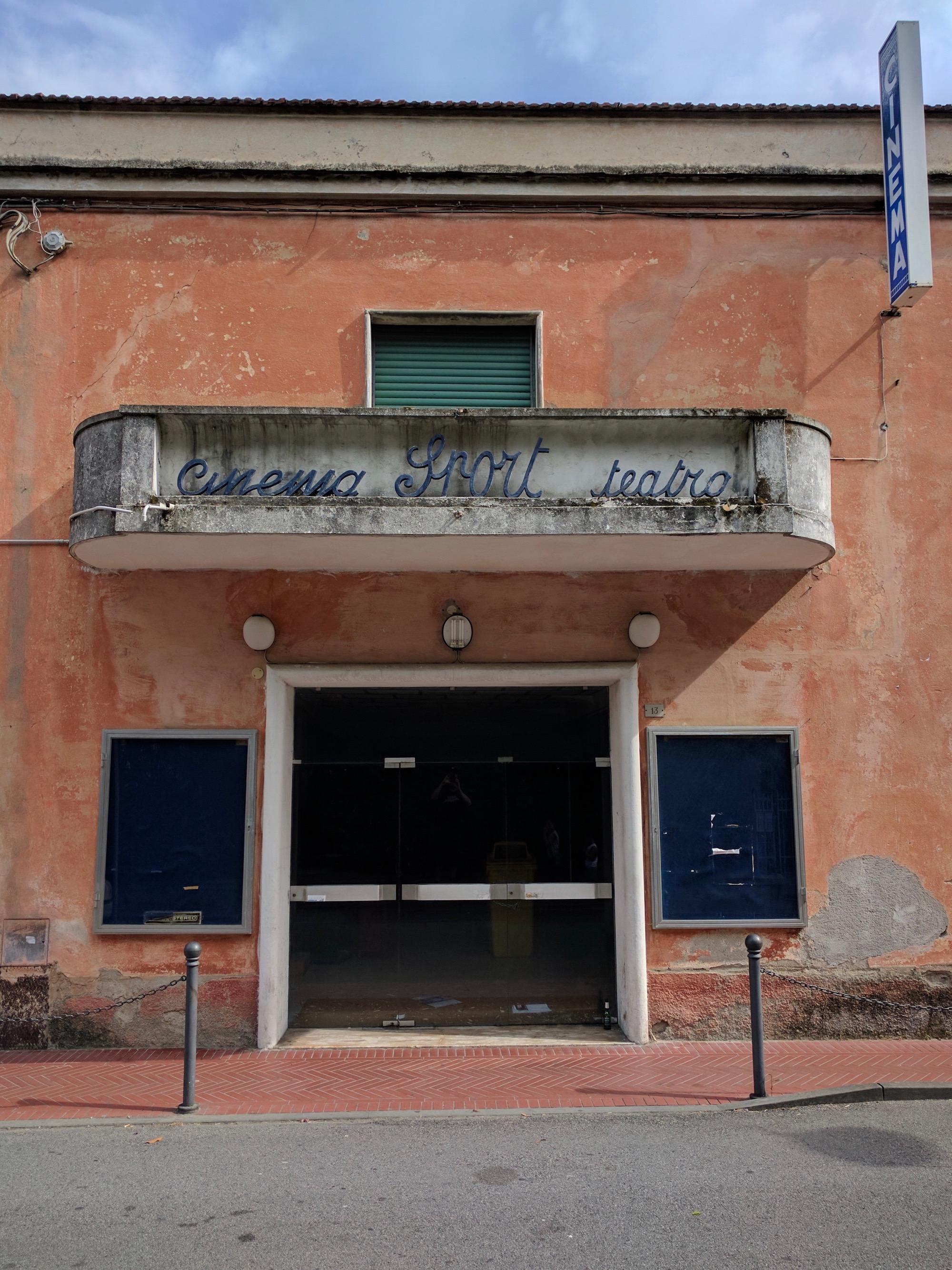 Verlassenes Kino, Levanto, Ligurien