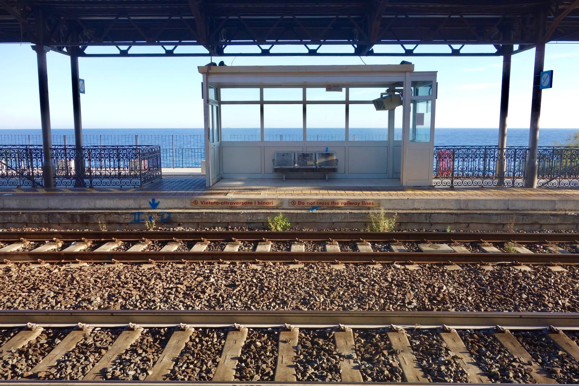 Ein Bahnhof irgendwo in Ligurien
